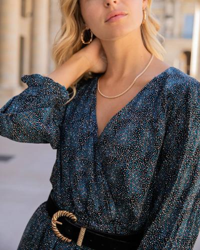 Nos robes épurées et raffinées sont les stars de nos dressings ! Découvrez-en plus sur l'e-shop ! ✨  Merveilleuse journée !  #LOVIEandCo #FW21 . . . . #happyday #newcollection #staytuned #frenchlifestyle #parisianlifestyle #parisvibes #laparisienne #frenchstyle  #parisianstyle #tenuedujour #tenueoftheday #lookoftheday #outfitoftheday #ootd #redvelvet #redleather #elegance #minimalstyle #paris #chic #parisianchic