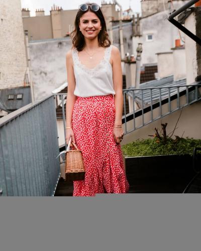 VITE ! Les dernières unités de la jupe CASSANDRA sont disponibles sur le site ! Faites vous plaisir !✨  Top LAURE Blanc existe en Jaune  Jupe CASSANDRA Rouge existe en Jaune  #LOVIEandCo  #SS20 . . . . #Parisvibes #parisianstyle #parisian #ootd #lookoftheday #outfitoftheday #top #Laure #longskirt #Cassandra #champetre #casual #tenuedujour #tenueoftheday #minimalstyle #minimalist #yellow #happyday #mode #fashion #summer #lifestyle #chic #frenchlifestyle #frenchstyle #estival #summervibes