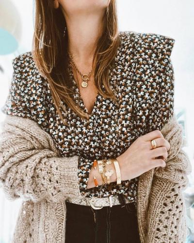 La blouse Hugoline vous attend sur lovieandco ✨  Parfaitement portée par la belle @so_lovely_so ! . . . #fashionblogger #woman #womanstyle #womanpower #womanfashion #womancrushwednesday #shopping #shoppingonline #shoppingtime #shoppingaddict #onlineshopping #style #styleinspo #styleinspiration #styleoftheday #styleblogger #elegantinteriors #elegant #elegantstyle #elegantoutfit #fashion #woman #shopping #elegant #style