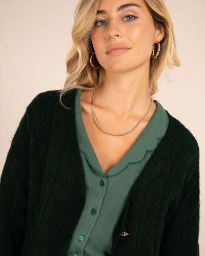 Green attitude 💚  Aujourd'hui on voit la vie en vert chez LOVIE & Co. Et vous, c'est quoi votre couleur du moment ? #LOVIEandCo #fw21  . . . #elegantstyle #elegantoutfit #fashion #woman #shopping #elegant #style